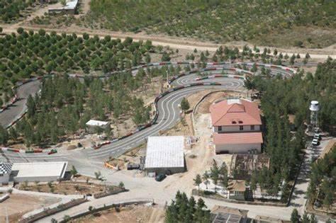 تصویر مجتمع ورزشی تپه کاج شیراز - 0