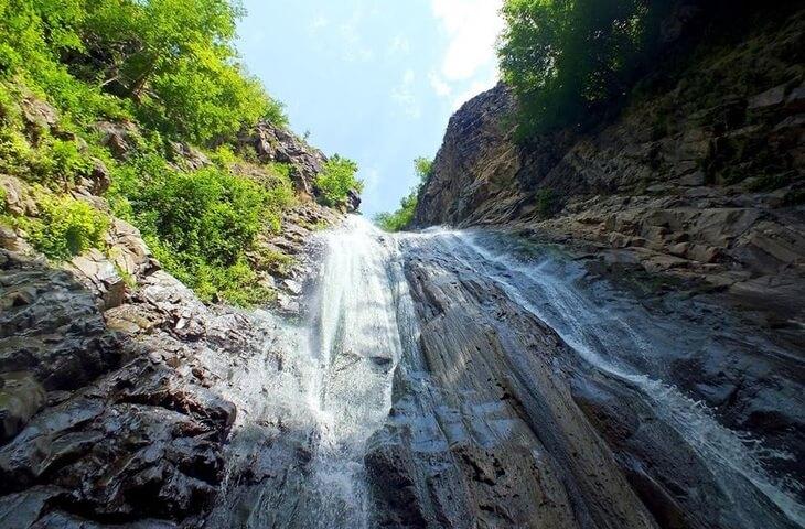 آبشار میلاش رودسر